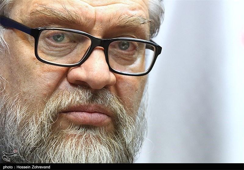 """حمایت جمعی از فرماندهان و نویسندگان دفاع مقدس از """"نادر طالبزاده"""""""