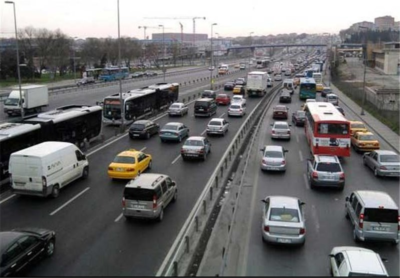 ترافیک نیمه سنگین در برخی محورهای مواصلاتی استان اصفهان