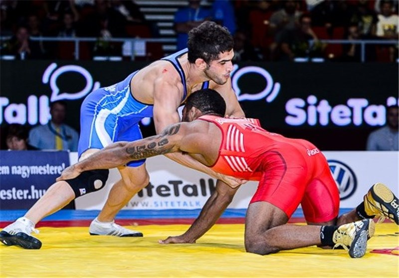 Iranian Wrestlers Win Gold, Silver at Asian Championships