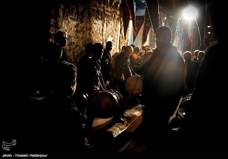 139208211608332791526554 تصاویر/ سنج و دمام در عزاداری بوشهر