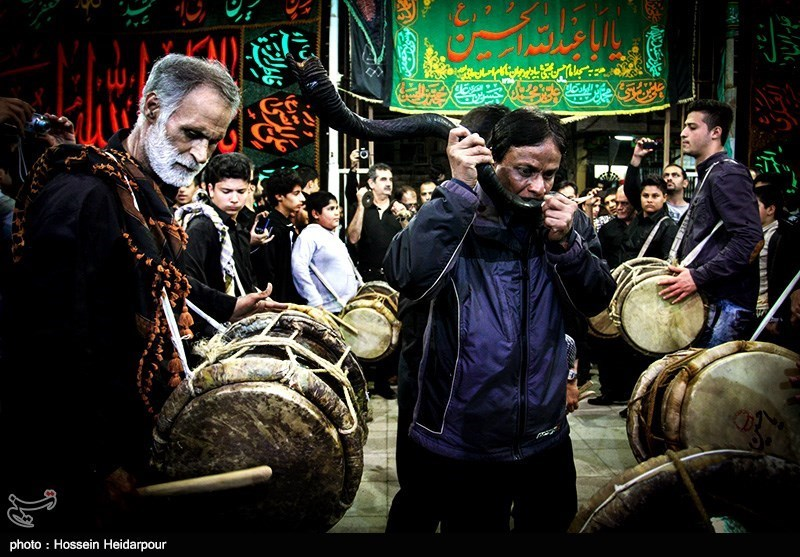 139208211608341531526554 تصاویر/ سنج و دمام در عزاداری بوشهر