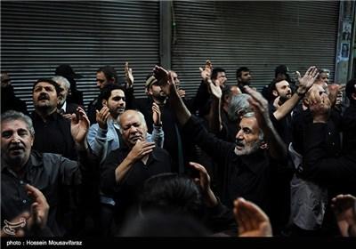 Shiite Muslims in Iran Mourn Ashura