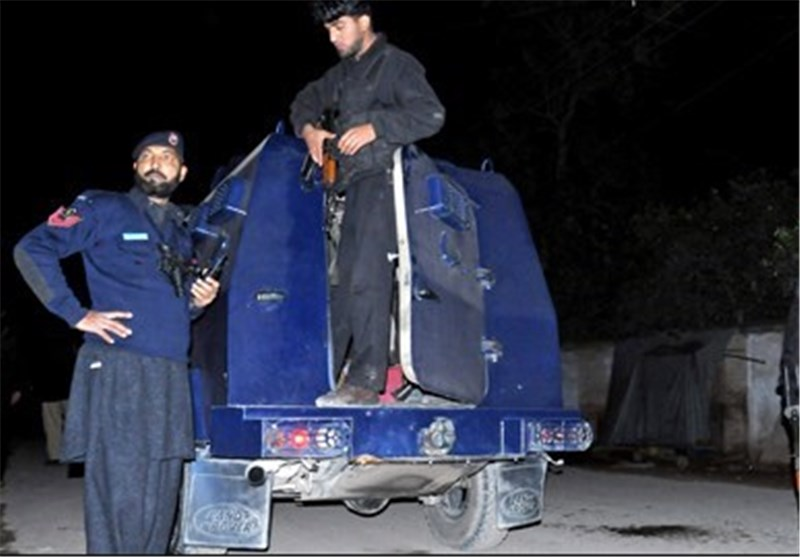 Gunmen Kill 2 Pakistan Policemen Protecting Polio Workers
