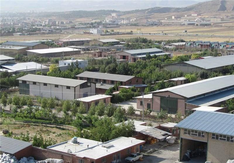 402 قرارداد با سرمایهگذاران در شهرک صنعتی چناران منعقد شد