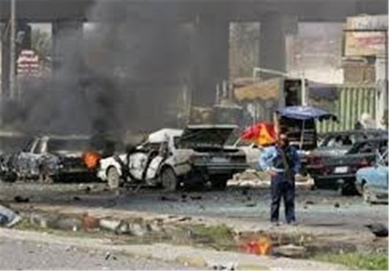 Bomb Hits Iraq Defense Minister's Convoy, Wounds 2