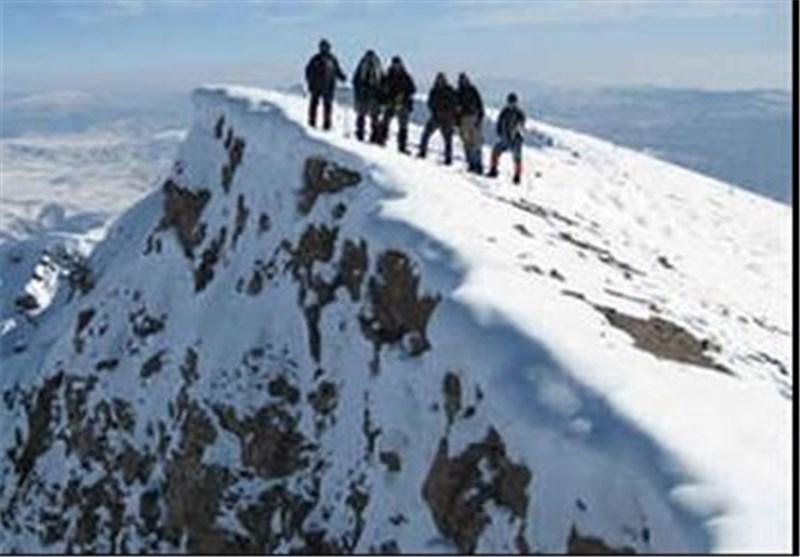 نجات شخص مفقود شده در کوههای کرکس نطنز