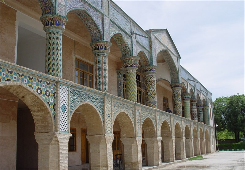 Mofakham Mansion: One of the Best Qajarian Mansion in Northeast of Iran