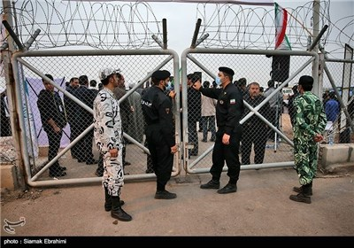 Iran's Fordo N. Plant Surrounded by Human Chain