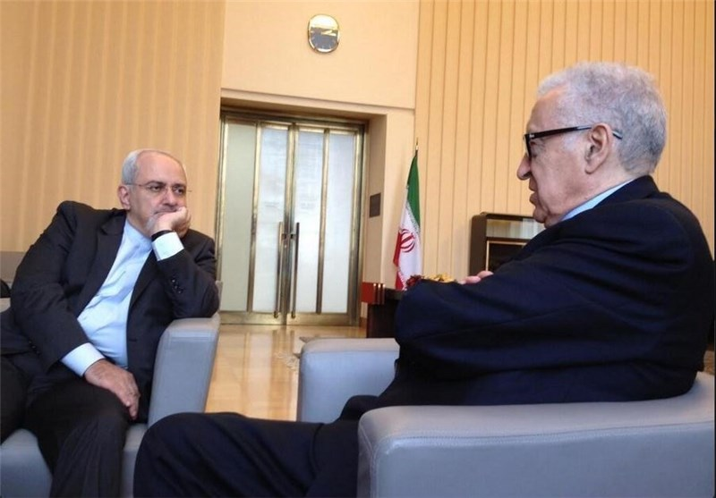 Zarif, Brahimi Meet in Geneva, Confer on Syria