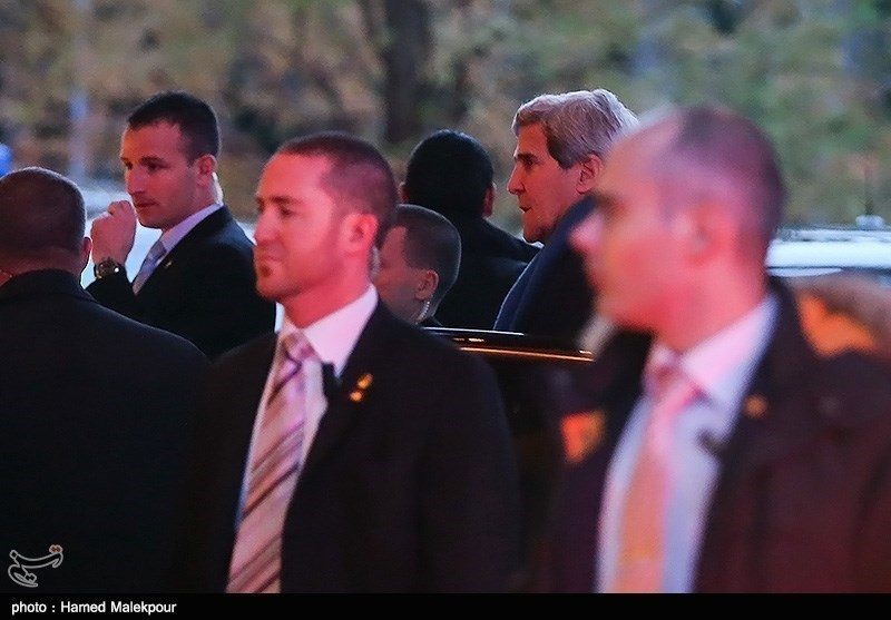 Photos: US Secretary of State Arrives in Geneva for N. Talks
