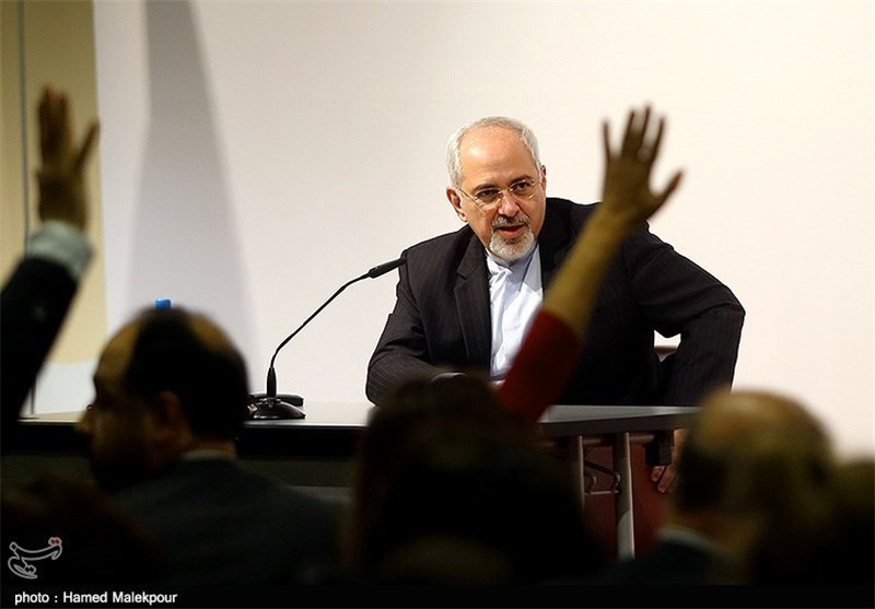 Zarif Calls on West to Restore Iranian Nation's Trust