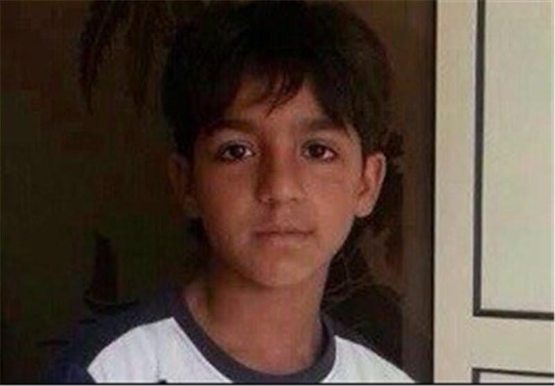 النظام الخلیفی یستدعی طفلا لم یتجاوز 10 سنوات ووالدُ آخر قضى شهیداً للتحقیق معهما