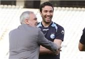 قلعهنویی در نشست مدیران باشگاه استقلال با نکونام حضور یافت