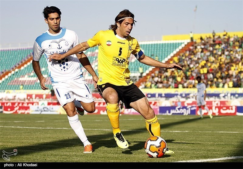 Sepahan Defender Hadi Aghili not Worried about Raul