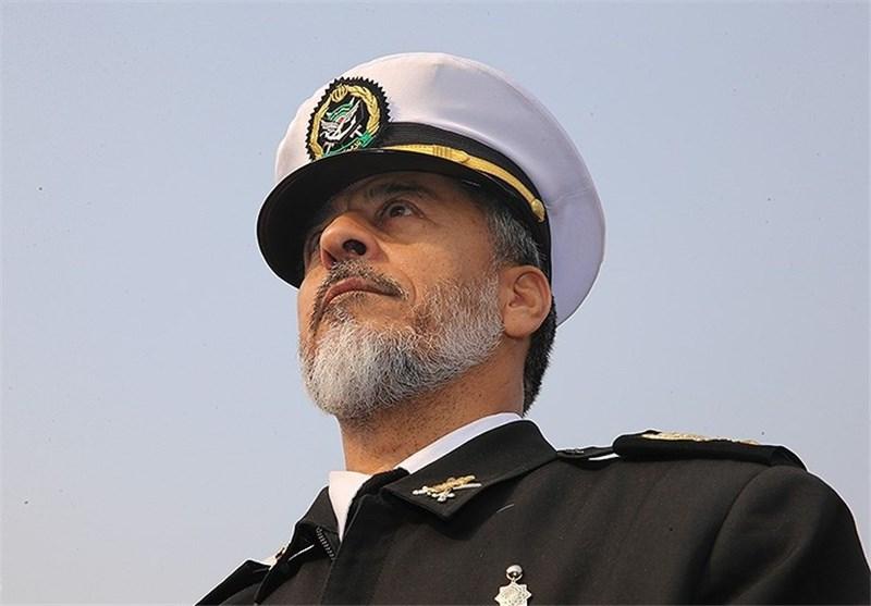 الامیرال سیاری: سلاحنا البحری انقذ سفینة من ایدی القراصنة