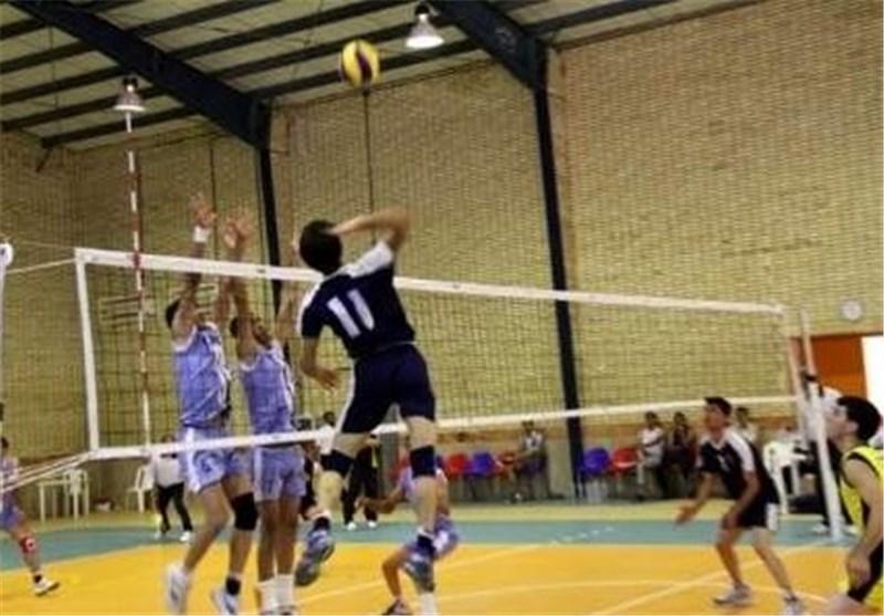 تیم والیبال سفیر قم با نماینده گنبدکاووس مسابقه میدهد