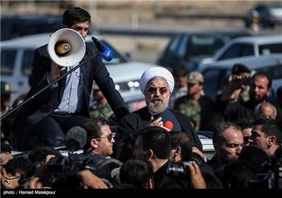 President Rouhani Visits Quake-Hit Regions in Bushehr