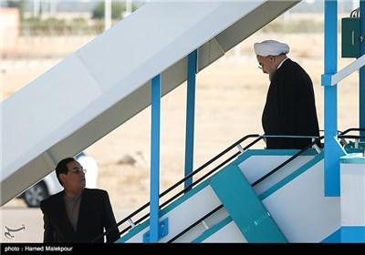 رئیس الجمهوریة یصل مطار عسلویة