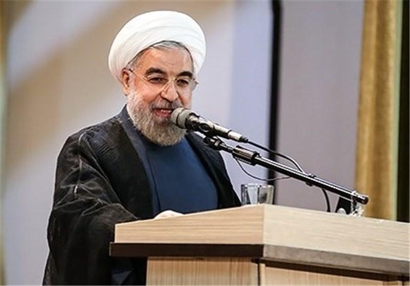 روحانی: هنرمند نه زینتالمجالس است و نه اوپوزیسیون/ کارت زرد نگرانی دولت نیست
