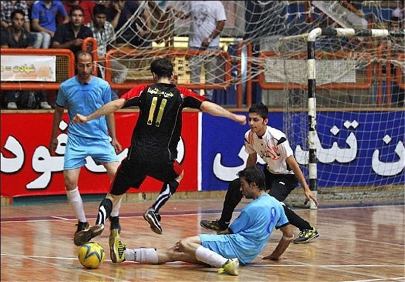 دور نخست مرحله گروهی مسابقات فوتسال جام رمضان قم پایان یافت