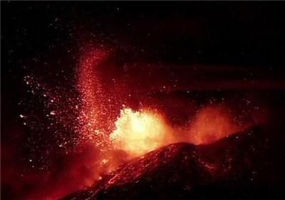 تصاویر عجیب از فوران آتشفشان