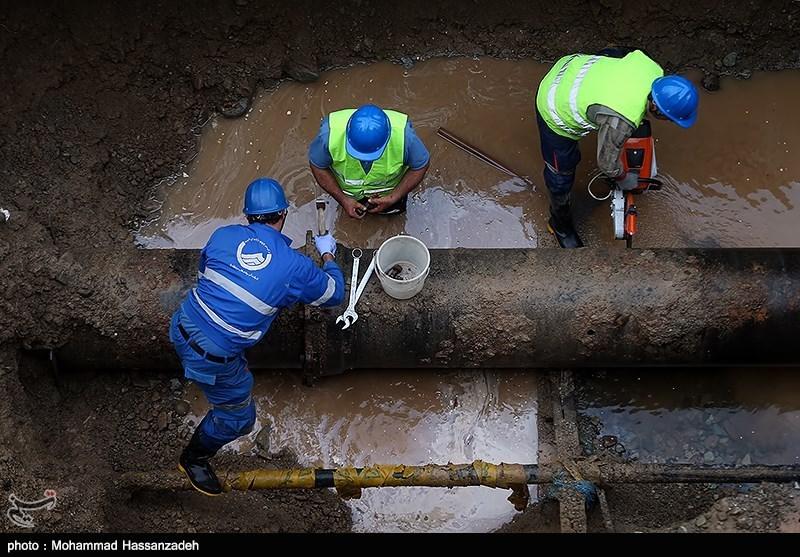 ترکیدگی لوله آب در چهارراه امیر اکرم تهران