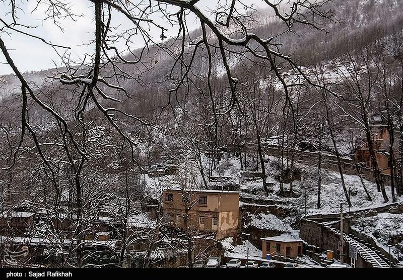 تساقط الثلوج فی مدینة ماسوله - شمال ایران