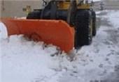عملیات نمک پاشی در محورهای برف گیر خراسان شمالی انجام شد