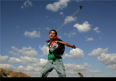 الفلسطینیون أحیوا الذکرى الـ 26 لاندلاع انتفاضة الحجارة