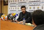 قلعهنویی:از 8 سال پیش برای دور کردن فوتبال از خانوادهها برنامهریزی کردهاند/ زمین ورزشگاههای افغانستان هم از اینجا بهتر است