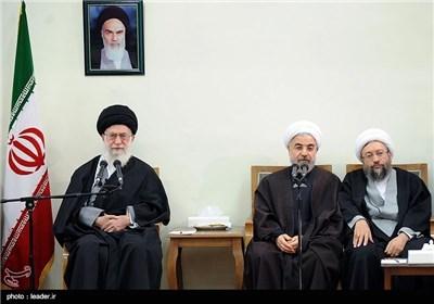 القائد یستقبل أعضاء المجلس الاعلى للثورة الثقافیة