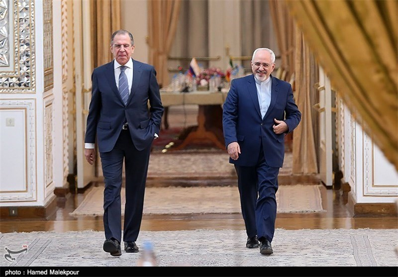 Iranian, Russian FMs Discuss Nuclear Issue