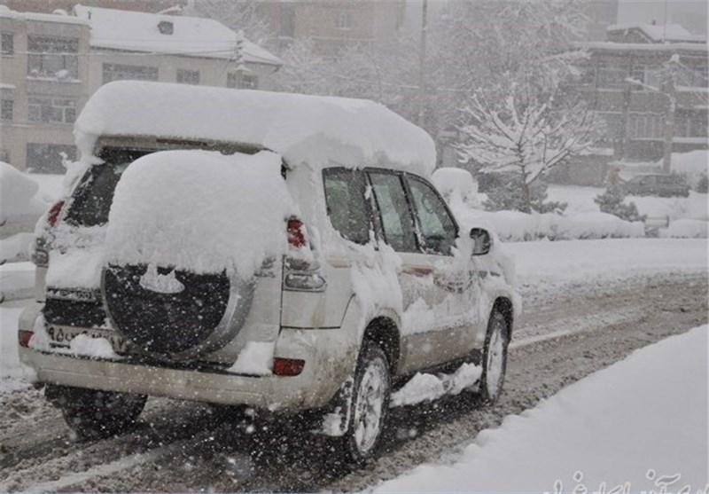 بارش برف در محورهای مواصلاتی 4 استان
