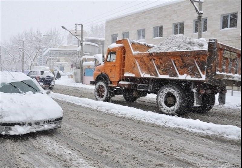 53 اکیپ راهداری زمستانی در جادههای کرمان فعال هستند