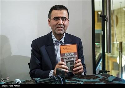 """حجت الله ایوبی رئیس سازمان سینمایی و نویسنده کتاب """"1970 روز در شماره 6 ژان بارت"""""""