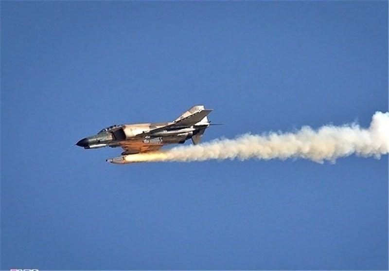 یاسوج| ارتفاعات دنا توسط دو جنگنده ارتش عکسبرداری شد
