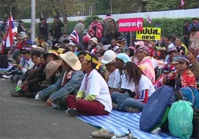 Thai Protesters March again in Bid to Bring Down Government