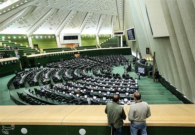 تذکر 65 نماینده مجلس به رئیس جمهور در مورد برخورد نامناسب با رسانههای منتقد