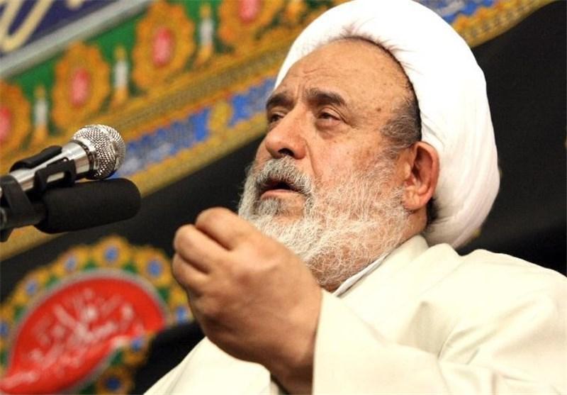 قرآن و سنت پیامبر دو نسخه اصلی درمان دردهای بشر هستند
