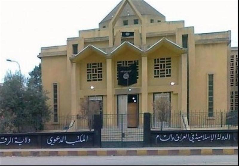"قیادی بـ ""داعش"": ممنوع على المسیحیین رفع الصلبان، وسنستولی على کنائسهم فی سوریا"