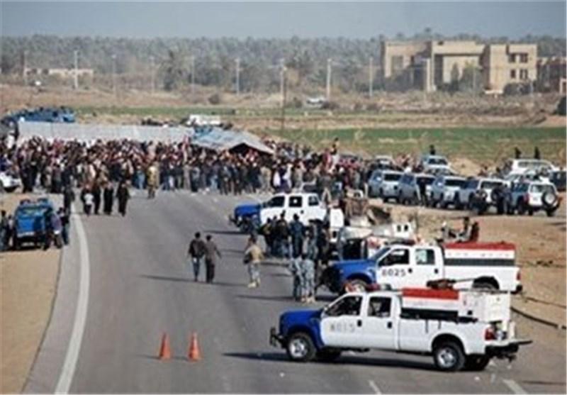 القوات الامنیة العراقیة تنتهی من ازالة خیم اعتصام الانبار وتفتح الطریق العام