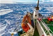 کشتی روس همچنان گرفتار در یخهای قطب جنوب / عملیات نجات ناموفق بوده است