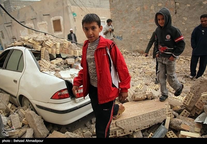 Photos: Quake Jolts Southern Iran, 1 Dead, 30 Injured