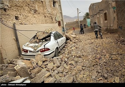 Photos: Quake Jolts Southern Iran, 1 Dead, 30 Injured