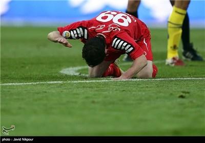 دیدار تیمهای فوتبال پرسپولیس و نفت