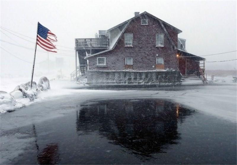 100 میلیون آمریکایی زیر برف سنگین/ 9 کشته در طوفانهای دو روز اخیر آمریکا + عکس