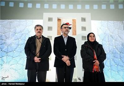 انسیه شاه حسینی، حجت الله ایوبی رئیس سازمان سینمایی و سیدناصر هاشم زاده در مراسم افتتاحیه چهارمین جشنواره مردمی فیلم عمار