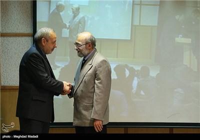 محمد جواد لاریجانی اولین رئیس مرکز پژوهشهای مجلس و فانی وزیر آموزش و پرورش در همایش نقش پژوهش در قانونگذاری