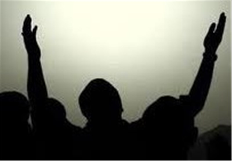 اقامه نماز باران در اصفهان به امامت آیتالله مهدوی