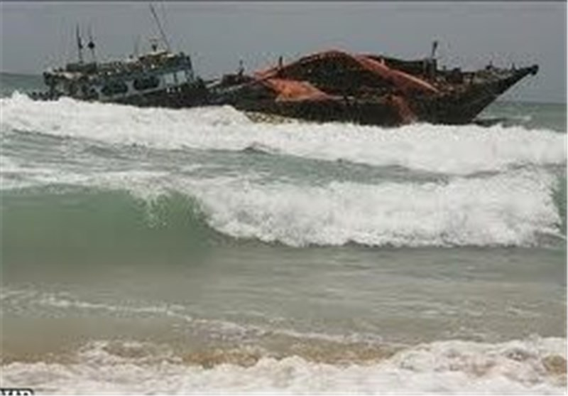 Police: Dozens Missing after Bangladesh Boat Sinks
